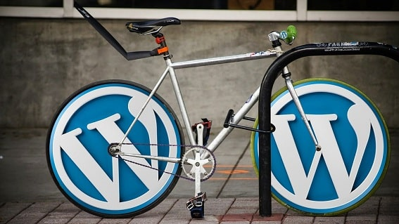 bici con logo wordpress
